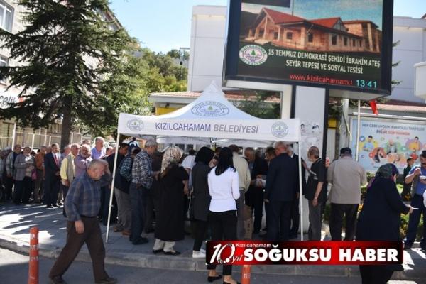 KIZILCAHAMAM'A AŞURE İKRAM EDİLDİ