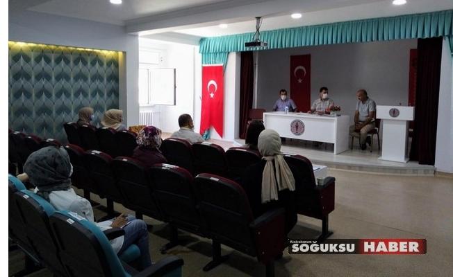 İBN-İ SİNA MESLEKİ TEKNİK ANADOLU LİSESİNDE TOPLANTI