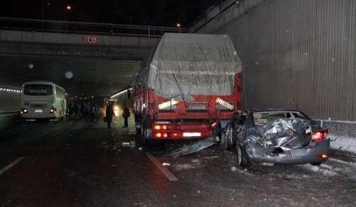 Ankara'da 24 araçlık zincirleme trafik kazası: 7 yaralı