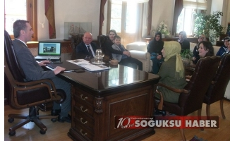 """""""KİTAPSEVER GÖNÜLLÜ BAYANLAR GRUBU"""" KAYMAKAMIMIZI ZİYARET ETTİ."""